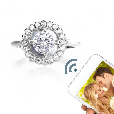 Momento Engagement Ring